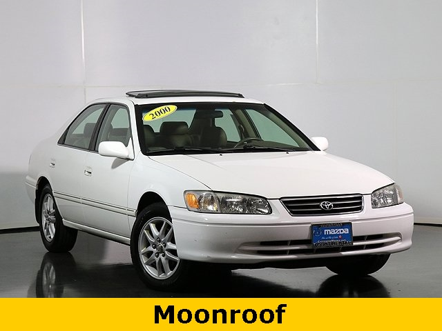 Pre-Owned 2000 Toyota Camry XLE